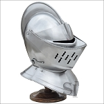 European Closed Helmet With Stand - 16 Guage