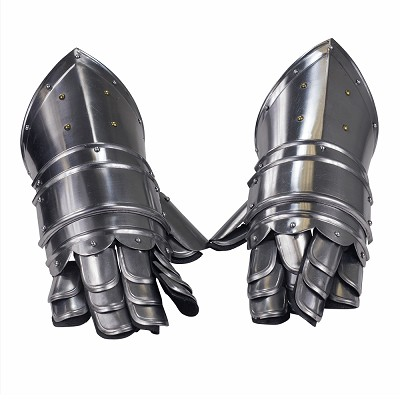 Armored Medieval Knights Gauntlets